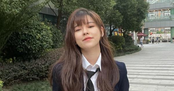 Nữ streamer đăng ảnh với đồng phục cực xinh, fan nhanh trí tặng thêm biệt danh 'phú bà' chỉ vì lý do tế nhị này!