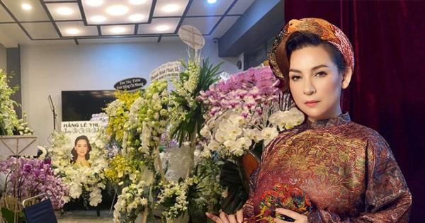 Đại diện ca sĩ Phi Nhung mong khách viếng và bạn bè làm điều này thay vì gửi vòng hoa?