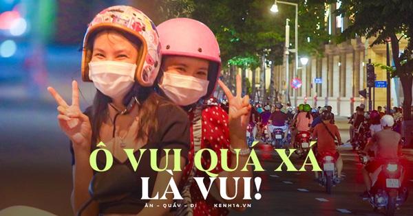 Ảnh: Giới trẻ Sài Gòn tràn xuống phố hóng mát cuối tuần, nhiều nam thanh nữ tú lạc đường vì 'lâu quá không được đi chơi'