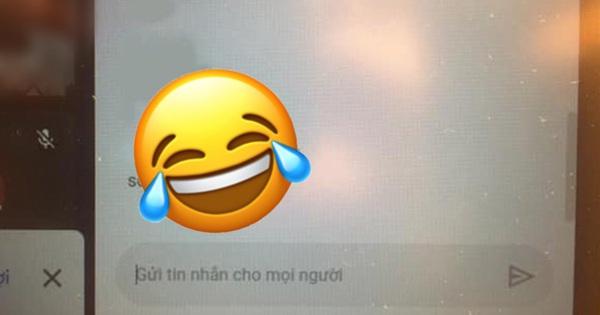 Học online giáo viên yêu cầu điểm danh, nam sinh ghi vội 1 câu Tiếng Anh đọc mà vừa tức vừa cười
