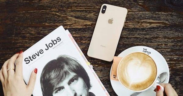 Steve Jobs - ''Cha đẻ'' iPhone, 66 năm và những câu chuyện đầy cảm hứng!