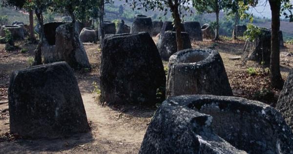 Cuối cùng đã giải mã được một bí ẩn trong hàng ngàn 'chiếc chum của người chết' tại đất nước sát cạnh Việt Nam