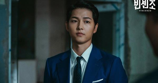 Song Joong Ki ngầu cực độ, vung tiền mua cả căn nhà tặng người lạ ở Vincenzo tập 3