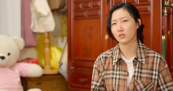Dàn sao Hàn bật khóc khi thấy cảnh Hwasa (MAMAMOO) về thăm nhà người bà quá cố