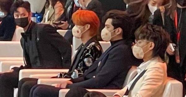 Knet mỉa mai khi thấy ''đàn bồ câu made in SM'' ngồi 1 cụm với nhau, đến cả Vương Nhất Bác còn phải hốt hoảng!