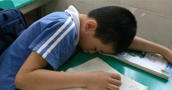 'Đừng trách tôi khinh em' - Lời nói ác ý của giáo viên bị phát tán, cha mẹ khóc ngất đau đớn khi nghe hết đoạn ghi âm