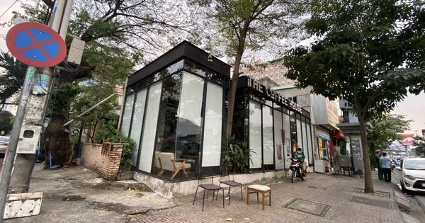 Quán cà phê The Coffee House, quán ăn, lẩu dê ở TP.HCM bị phong toả vì nhân viên sân bay Tân Sơn Nhất mắc Covid-19 từng đến
