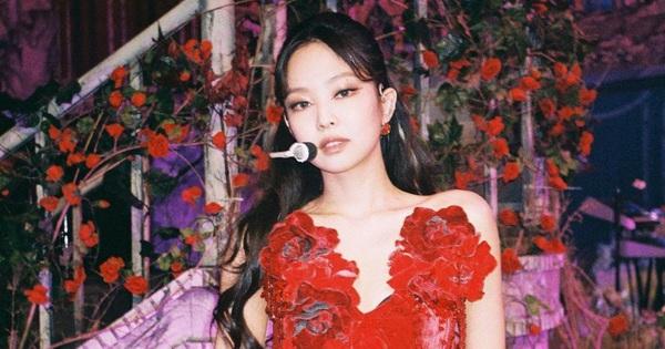 Cnet mỉa mai Jennie vì sai vũ đạo: ''Đi từ nhà bạn trai đến concert thì sao nhảy đúng được?''
