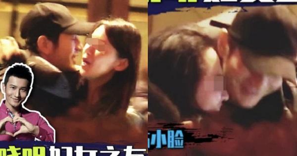 Lan tràn hình ảnh Huỳnh Hiểu Minh ôm ấp, kề má với 2 gái lạ đúng ngày 8/3, Angela Baby có ghen lồng ghen lộn?