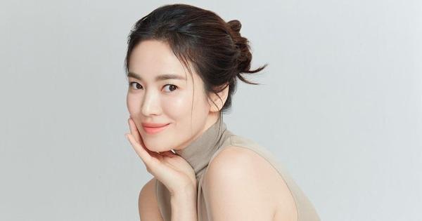 Giữa tin đồn tình cũ Hyun Bin kết hôn với Son Ye Jin, Song Hye Kyo có động thái bất ngờ