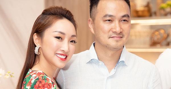 HOT: Chi Bảo và bạn gái đại gia kém 16 tuổi đã chính thức kết hôn vào hôm nay!