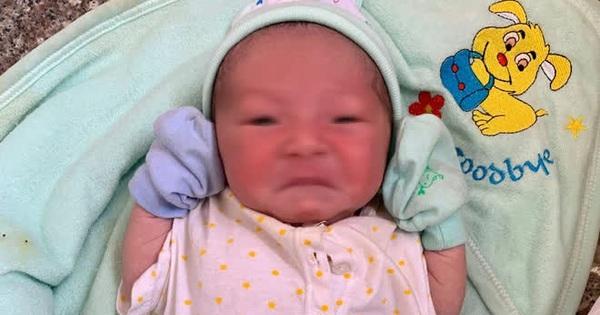 TP.HCM: Phát hiện bé trai 1 tháng tuổi bị bỏ rơi ngoài cổng chùa