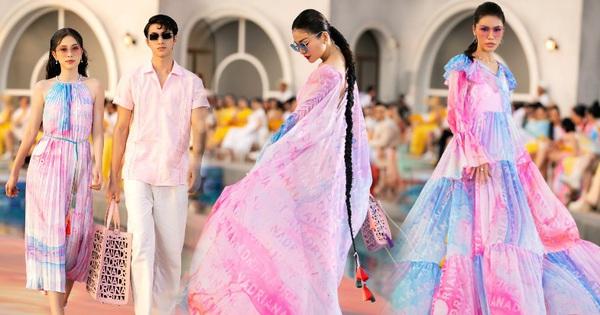 Phương Nga - Bình An catwalk cả đôi vẫn bị phần kết màn đỉnh cao của vedette Thanh Hằng 'chặt đẹp' khi diễn BST của NTK Adian Anh Tuấn