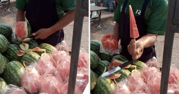 Bất ngờ trước xe dưa hấu ăn liền bán theo kiểu Thái Lan, dân mạng Việt xem xong liền 'chê nhẹ' vì lý do này