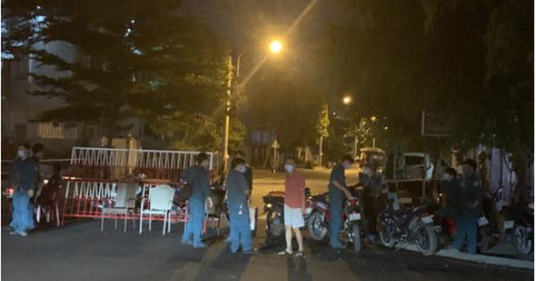 NÓNG: Bình Dương phong tỏa tuyến đường ở Thuận An có người nghi mắc Covid-19