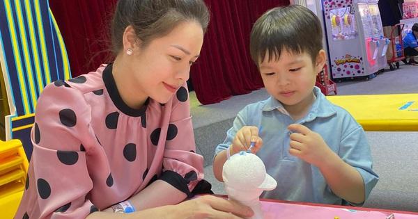 Vất vả giành quyền nuôi con suốt 2 năm với chồng cũ, Nhật Kim Anh chăm sóc quý tử thế nào?