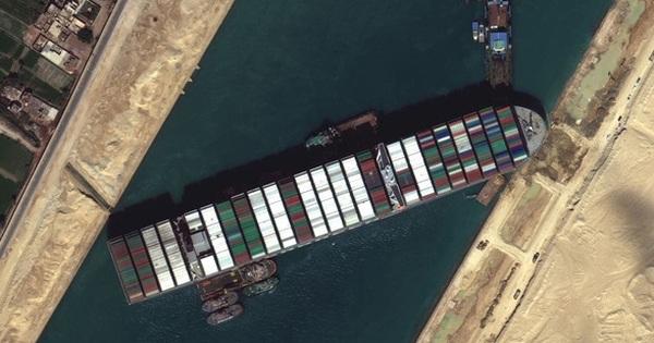 Nóng: Cuối cùng đã giải cứu thành công siêu tàu hàng kẹt tại kênh đào Suez