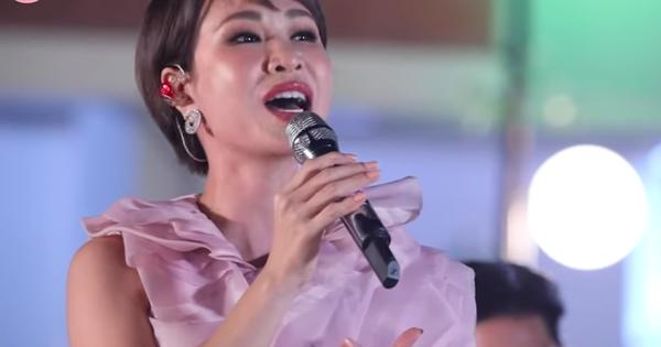 Uyên Linh bị netizen chê hát dở khi lỡ hát chênh phô tại #XHTĐRLX, ai ngờ chính chủ tự nhận xét bản thân còn gắt hơn