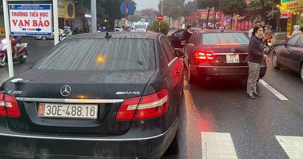 2 xe Mercedes trùng biển số 'chạm mặt' nhau ở Hà Nội: Đã tìm thấy chủ nhân dùng biển thật