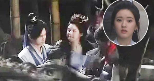 Giật mình trước ảnh hậu trường của Triệu Lộ Tư: Mặt bỗng dưng to gấp đôi Dương Dương, netizen phản ứng ra sao?