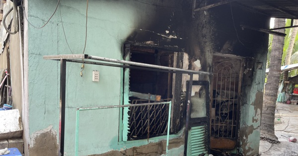 Ảnh: Cận cảnh căn nhà cháy đen khiến 6 người trong gia đình tử vong, xe máy bị thiêu rụi trơ khung