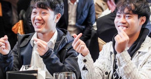 Văn Toàn song ca cùng Xuân Trường bản hit của Sơn Tùng M-TP, fan cảm thán: Quên luôn bản gốc