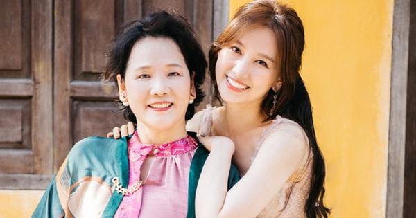 Hari Won đáp trả căng đét khi mẹ ruột bị xúc phạm 'không có tâm' nên con gái nói không rành tiếng Việt