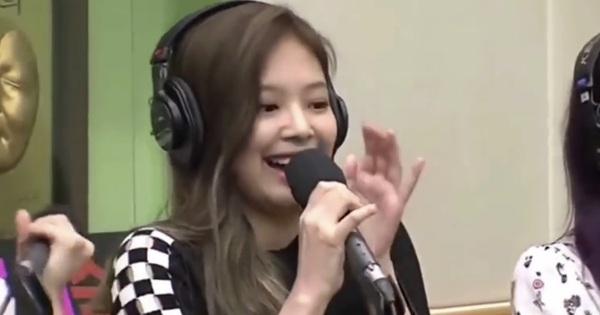 BLACKPINK bị tố ''hát nhép'' vì sự cố giật mic của Jennie?