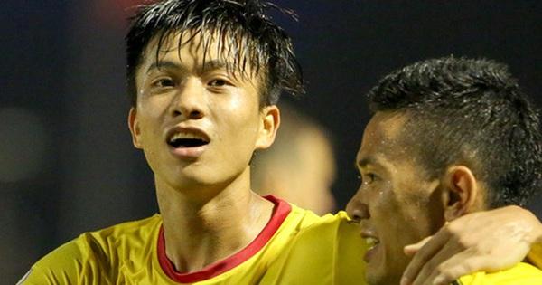 Người hùng ''thích gánh team'' Phan Văn Đức hết hợp đồng vào cuối năm 2021, SLNA vẫn lặng im