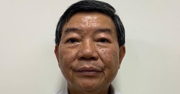 Cựu Giám đốc Bệnh viện Bạch Mai bỏ túi hơn 300 triệu đồng khi tăng phí khám chữa bệnh, ''móc túi'' bệnh nhân