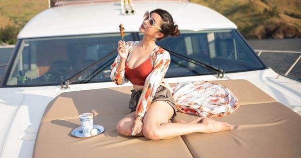 Nhan sắc xinh đẹp, body sexy thôi chưa đủ, nữ streamer này còn khiến cộng đồng ngưỡng mộ với thành tích kinh doanh siêu khủng