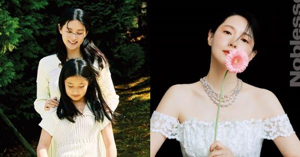 Lee Young Ae làm hẳn bộ ảnh tạp chí 'hack tuổi' kinh ngạc ở biệt thự 40 tỷ, nhưng con gái 11 tuổi mới chiếm trọn sự chú ý