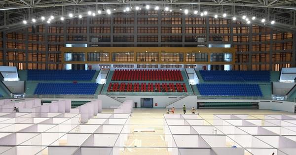 'Chạy đua thời gian' xây dựng bệnh viện dã chiến trong nhà thi đấu SEA Games của tỉnh Bắc Giang