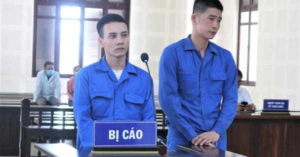 Rủ nhau vận chuyển hàng cấm, 2 thanh niên chia 33 năm tù