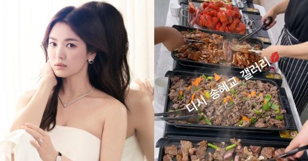 Song Hye Kyo check-in bên bữa tiệc thịnh soạn gây choáng chưa từng thấy, nhân vật bí ẩn nào gửi tặng đây?