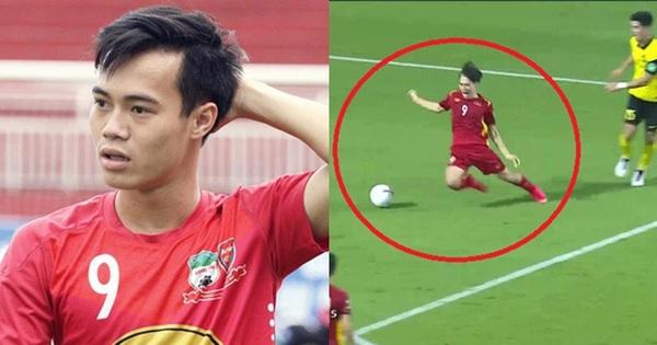 Văn Toàn bị cà khịa 'lươn lẹo' sau pha ngã kiếm penalty, vậy 'lươn' trong Tiếng Anh là gì?