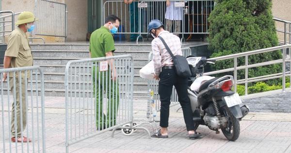 Hà Nội: Phong tỏa 1 tòa chung cư sau khi ghi nhận ca dương tính SARS-CoV-2