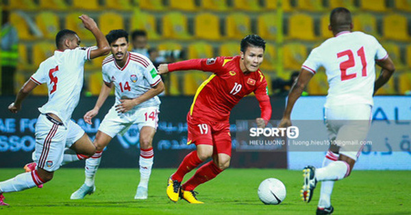 Nhận thêm 1 quả Penalty, Việt Nam bị UAE dẫn trước 2-0 trong 8 phút