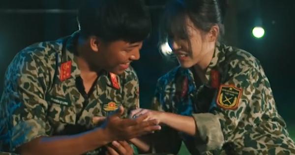 Ra đây mà xem, Mũi trưởng Long - Hậu Hoàng mang cả ''tín vật định tình'' đóng MV đây này!
