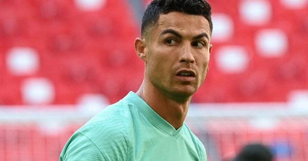 Cổ phiếu Coca Cola vẫn giảm không phanh, hãng đã bốc hơi 232 nghìn tỷ đồng kể từ sau sự cố Ronaldo