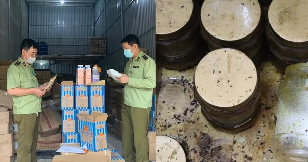 Hà Nội: Thu giữ hàng tấn nguyên liệu trà sữa Royal Tea, Gong Cha… ẩm mốc, không rõ nguồn gốc xuất xứ
