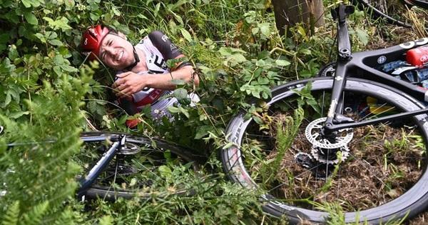Fan nữ gây tai họa ở Tour de France bị cảnh sát truy lùng, đối diện với án tù