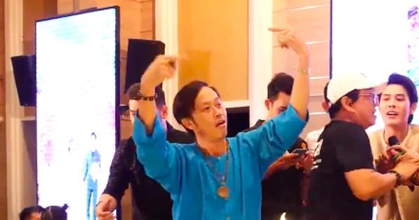 Xôn xao clip nghệ sĩ Hoài Linh nhảy 'vinahey' cực sung cùng NS Minh Nhí sau khi cách ly xạ trị không lâu?