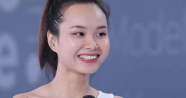 GK Nam Trung nhất quyết loại một cô gái khỏi Vietnam's Next Top Model vì thói quen bàn tay cực xấu!
