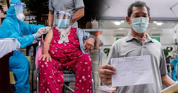 Người già, khuyết tật ở Sài Gòn xúc động sau khi xe tiêm chủng đến tận nơi tiêm vaccine Covid-19: 'Tôi ước ao từ bữa đến giờ, nay mới được tiêm'