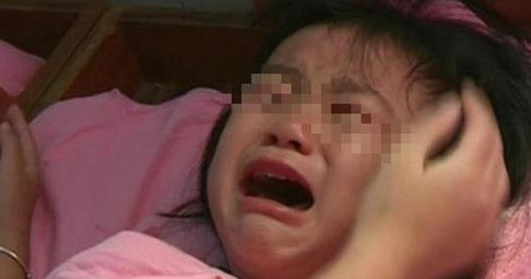 Cháu gái đang ngủ đột nhiên khóc lớn giữa đêm, bà nội dỗ dành, sáng hôm sau giấu con trai báo thẳng cho cảnh sát