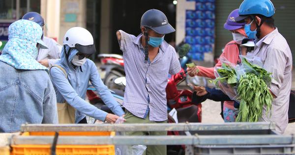 Giữa cơn 'bão giá', anh nông dân mất 2 tay vẫn bán rau sạch siêu rẻ cho bà con Đà Nẵng: 'Đâu nhất thiết phải làm giàu trong dịch bệnh'