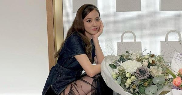 Dior tung clip Jisoo khoe visual như 'phát sáng', soi ảnh hậu trường có xinh như kỳ vọng?