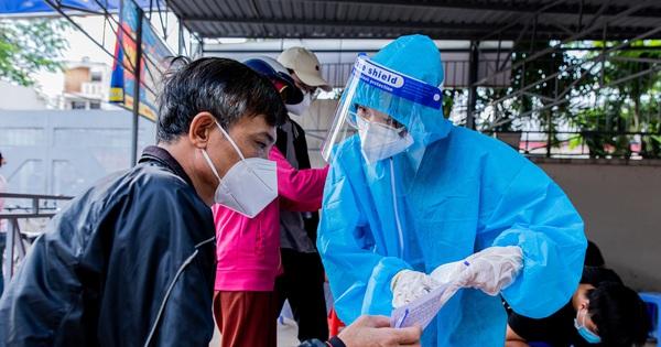 Hà Nội: Ngày 8/9, gần 600 người khai báo có triệu chứng ho, sốt, khó thở