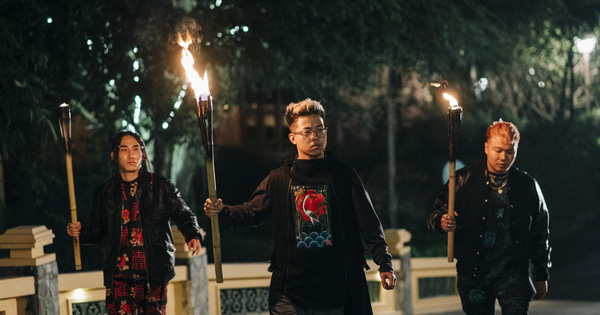 Bình Gold, LOCOBoiz khuấy đảo cộng đồng rap Việt khi mặc cổ phục, độ xe rồng trong MV rap ca trù mới
